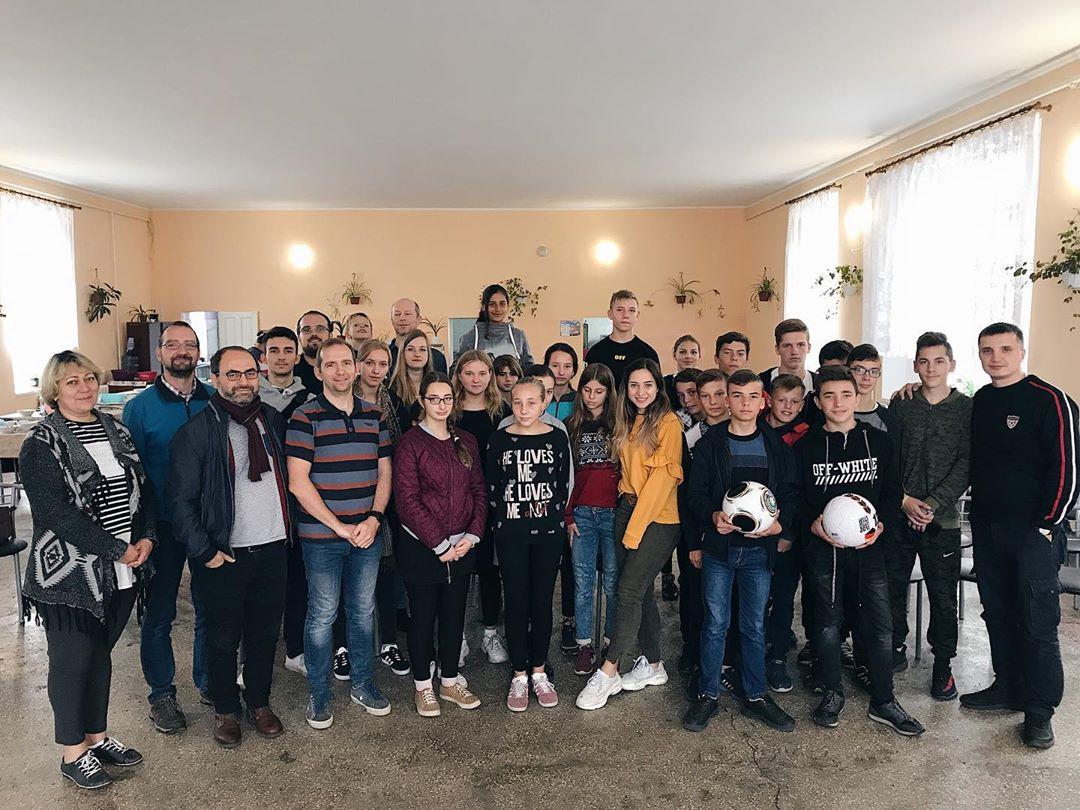 Visit to the orphanage - Посещение интерната